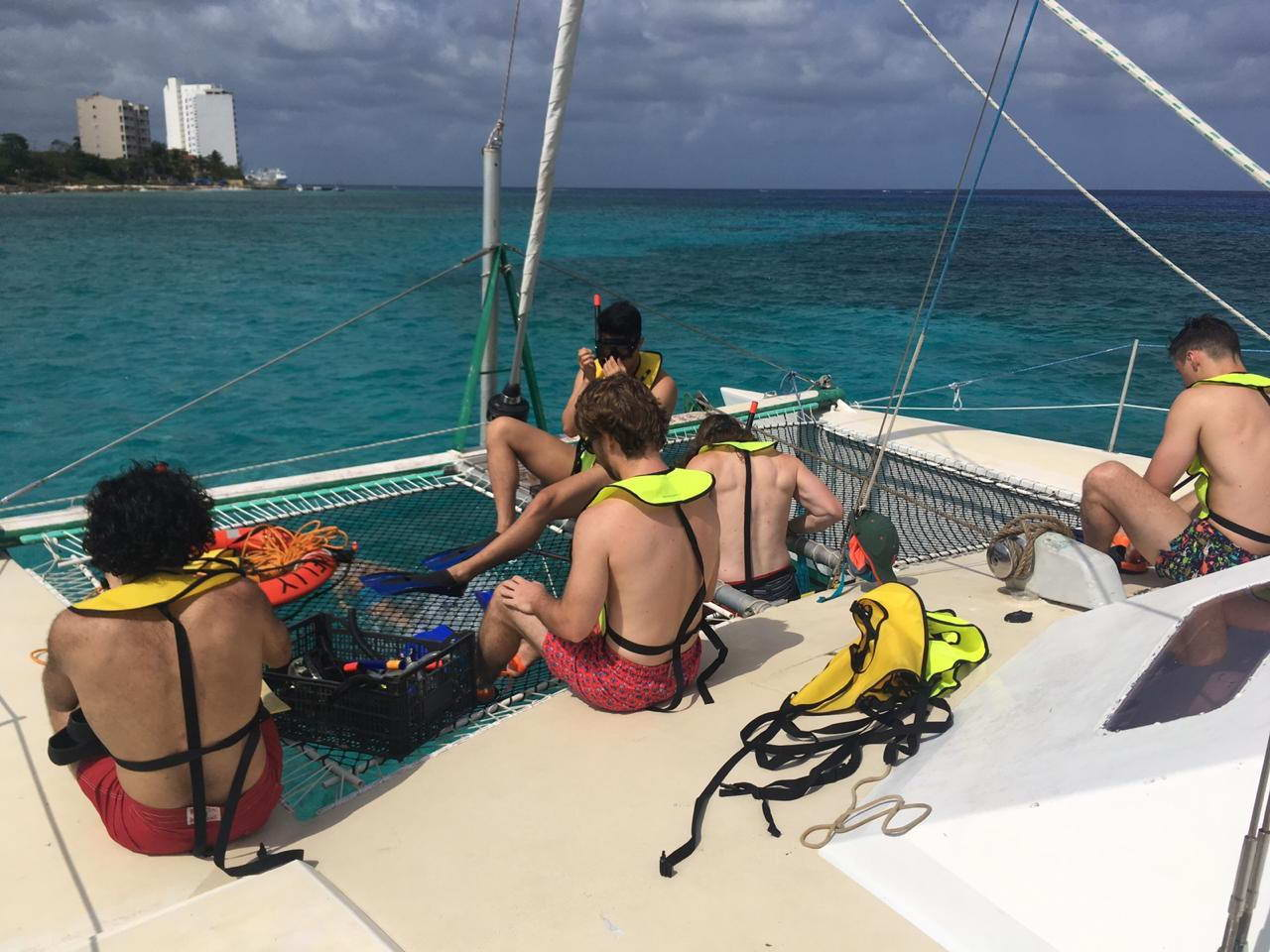 Cozumel Catamaran 30ft 15 people for rent and tours