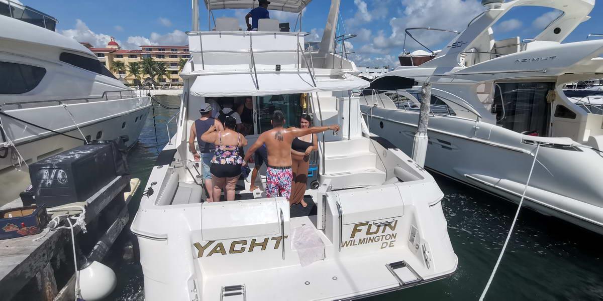 #IslaMujeres #SeaRay #luxuryyachts #rentaboat
