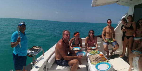 Playa Mujeres yachts
