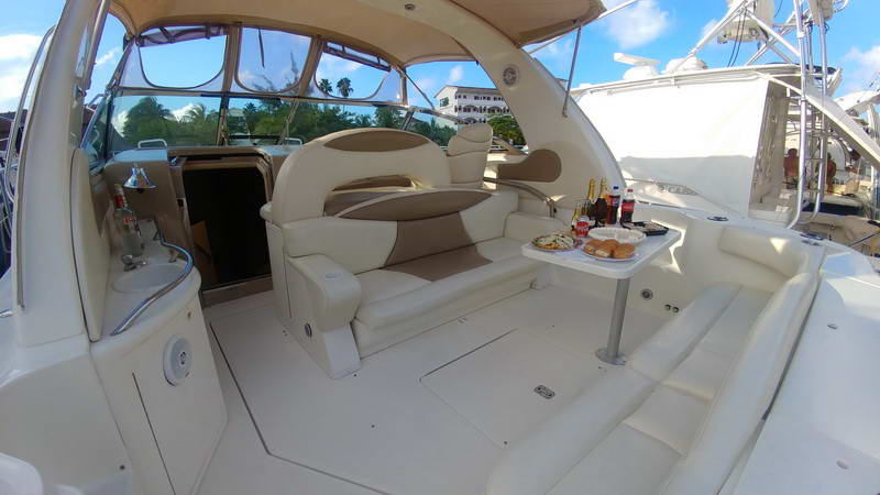 Cancun Sea Ray Yacht to snorkel