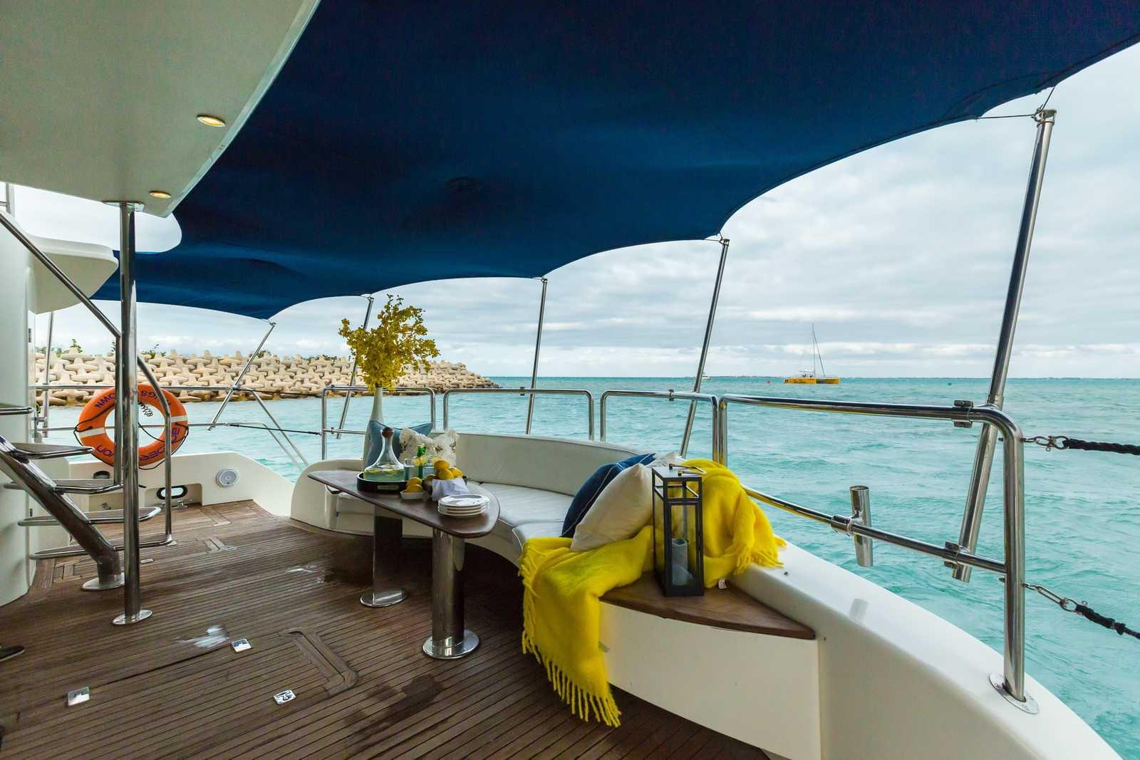 Isla Mujeres Yacht 74 feet Isla Blanca Playa Norte