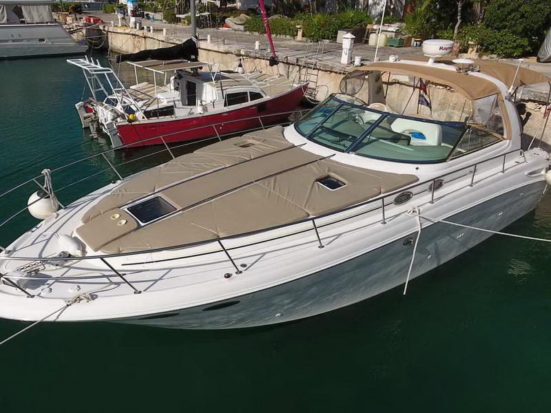SeaRay Yacht en Riviera Maya