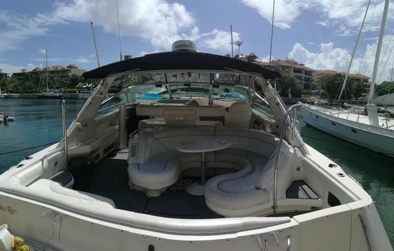 Searay Yacht rent at Riviera Maya